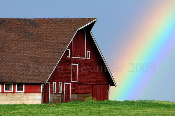 Rainbow_barn_blogsize_1610